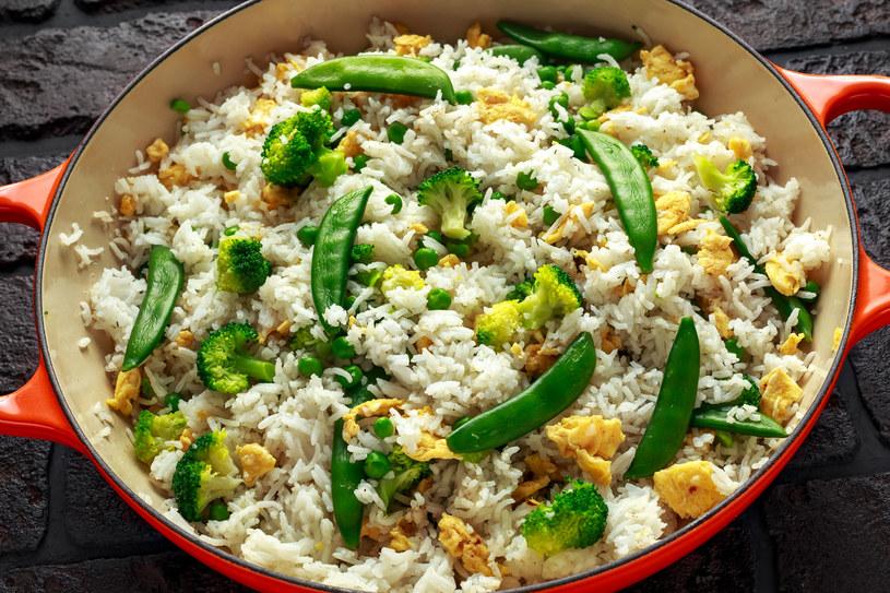 Ryż smażony z warzywami /123RF/PICSEL