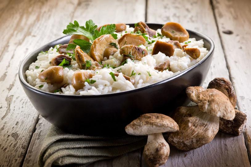 Ryż z mięsem i grzybami /123RF/PICSEL