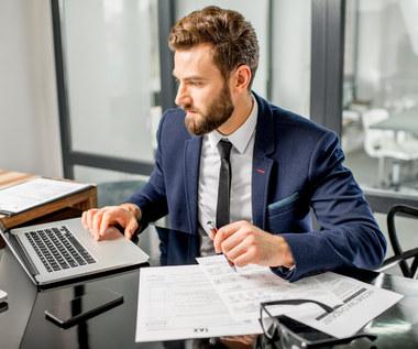 """""""Rz"""": Przedsiębiorcy płacący PIT muszą samodzielnie wypełnić roczne zeznanie"""