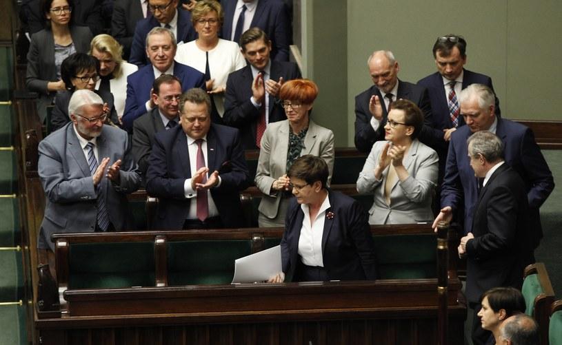 Rząd Beaty Szydło w sejmowych ławach /Stefan Maszewski /Reporter