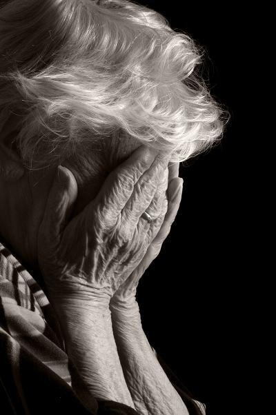 Rząd będzie przejadać nasze emerytury... /©123RF/PICSEL
