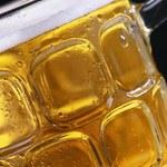 Rząd chce ograniczyć reklamę alkoholu, ale Polacy są przeciwni