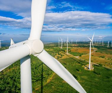 Rząd chce się pozbyć lądowych farm wiatrowych
