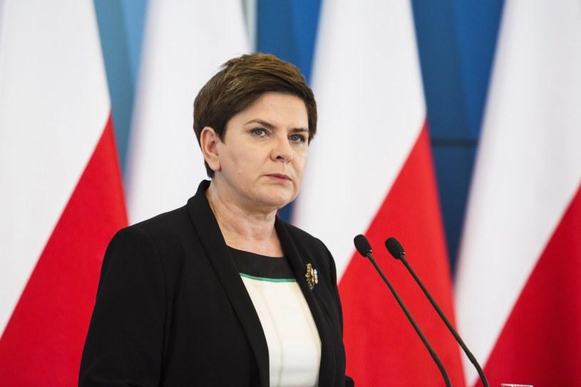 Rząd cieszy się największą popularnością wśród osób, które w wyborach głosowałyby na PiS /fot. Andrzej Hulimka/REPORTER /East News