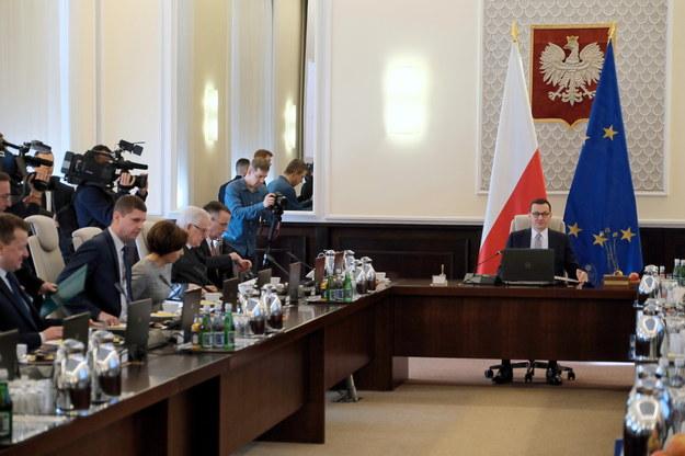 Rząd Mateusza Morawickiego: 55 posłów i jeden senator /Mateusz Marek /PAP