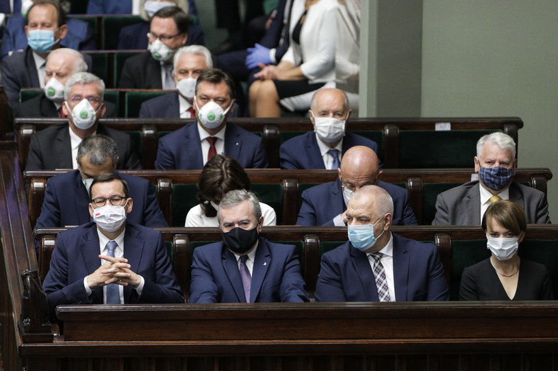 Rząd Mateusza Morawieckiego czeka rekonstrukcja /Andrzej Hulimka  /Agencja FORUM