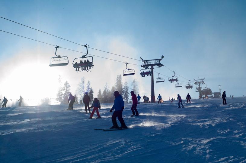 Rząd nie wyklucza ograniczenia działalności wyciągów narciarskich i stoków /Andrzej Iwańczuk /Reporter