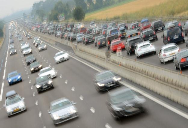 Rząd obniża ceny niektórych autostrad /AFP