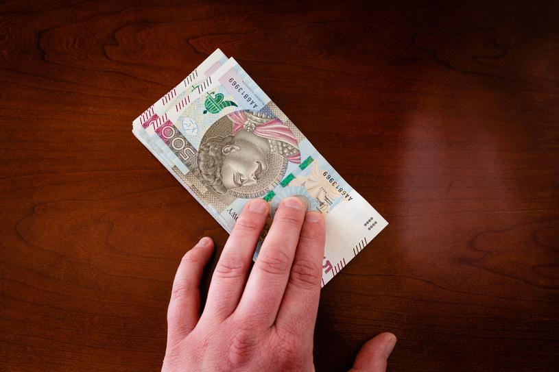 Rząd podniósł płacę minimalną oraz godzinową stawkę minimalną od 2022 roku /123RF/PICSEL