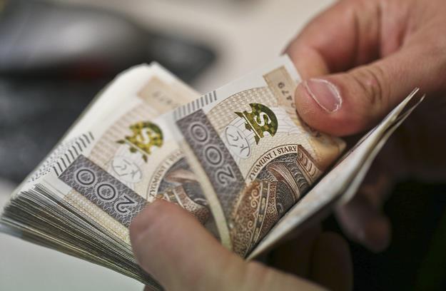 Rząd przejadł rezerwy na kryzys. Zabraknie pieniędzy na pomoc? /Piotr Jędzura /Agencja SE/East News