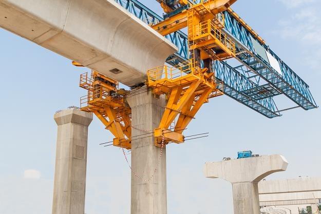 Rząd przeznaczy 2,3 mld zł na nowe mosty w Polsce /©123RF/PICSEL