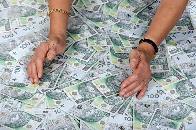 Rząd przyglądnie się rachunkom 11 tysięcy osób /fot. Wojtek Laski /Agencja SE/East News