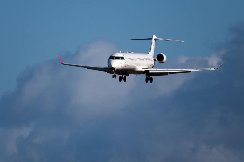 Rząd przyjął rozporządzenie w sprawie zakazu w ruchu lotniczym, zdj. ilustracyjne /Fot. Wojciech Strozyk /Reporter