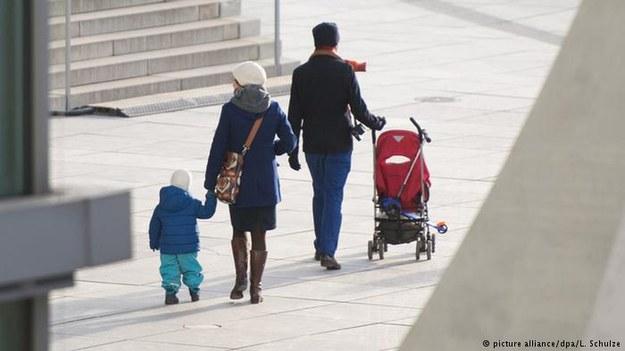 Rząd RFN w obecnym okresie legislacyjnym nie uchwali ustawy o cięciach zasiłków dla dzieci cudzoziemców z UE /Deutsche Welle