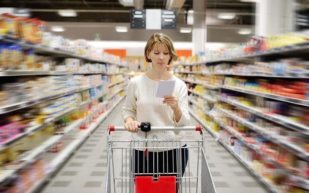 Rząd szuka kompromisu w sprawie niedzielnego zakazu sprzedaży /©123RF/PICSEL