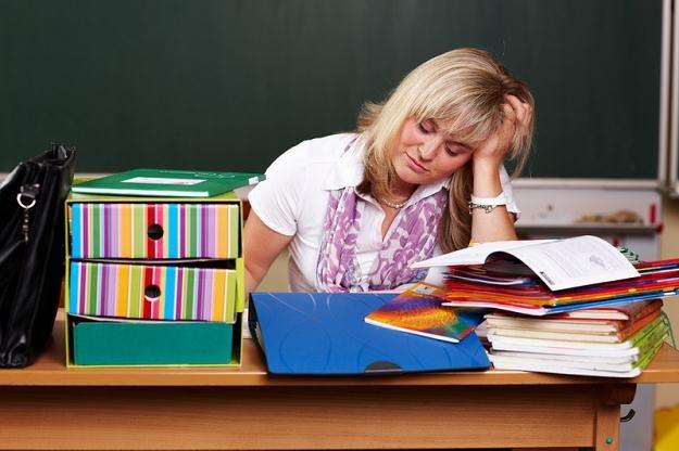 Rząd, szukając oszczędności, redukuje liczbę godzin nauczania, awraz znimi etaty dla nauczycieli /© Panthermedia
