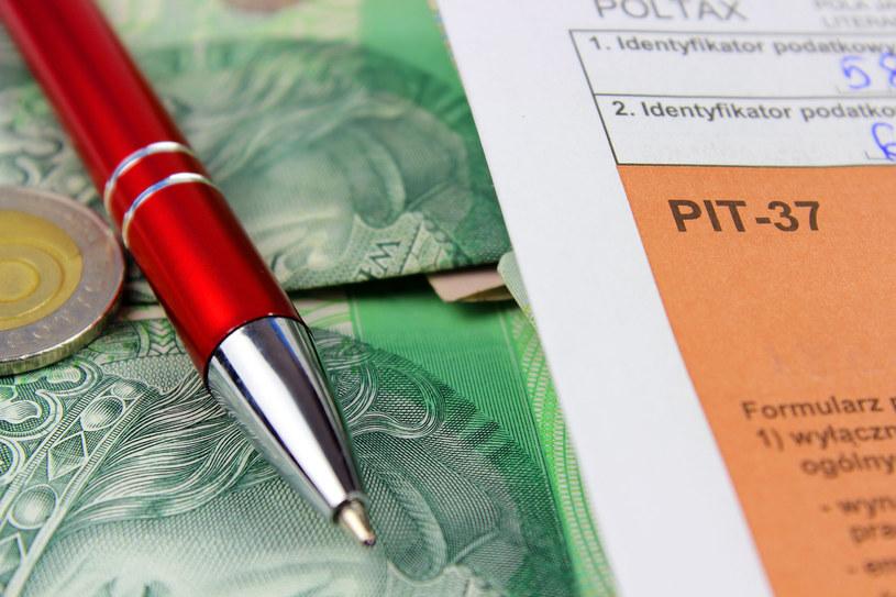 Rząd uderzy podatkami w klasę średnią? /123RF/PICSEL
