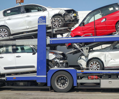 Rząd uderzy w kierowców. Chce wyższej akcyzy na auta używane!