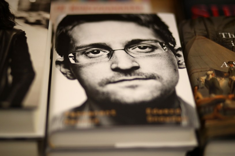 Rząd USA skierował pozew sądowy przeciwko byłemu analitykowi amerykańskich służb specjalnych Edwardowi Snowdenowi /Justin Sullivan/Getty Images/AFP /East News