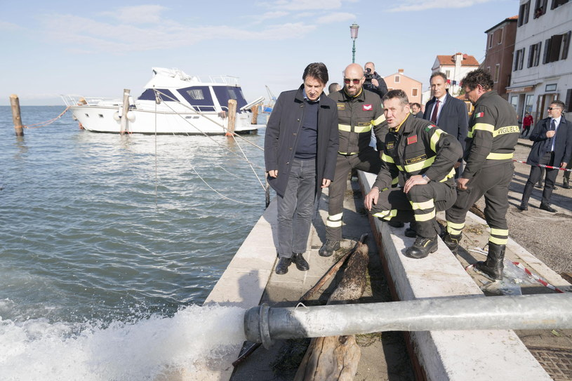 Rząd Włoch wprowadził stan kryzysowy w Wenecji /FILIPPO ATTILI / CHIGI PALACE PRESS OFFICE / HANDOUT /PAP