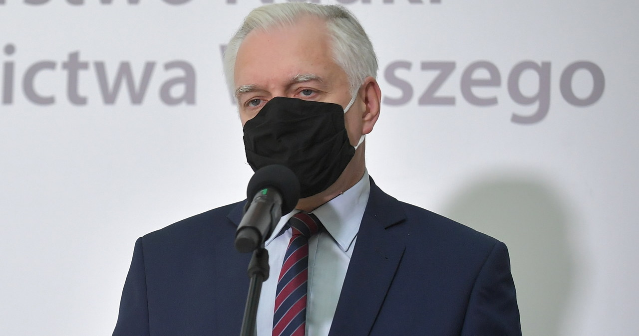 """<a href=""""https://www.rmf24.pl/raporty/raport-koronawirus-z-chin/polska/news-rzad-wprowadza-ograniczenia-ale-nie-oferuje-konkretnej-pomoc,nId,4796893"""">Rząd wprowadza ograniczenia, ale nie oferuje konkretnej pomocy</a> thumbnail  Nie znasz pacjentów z COVID-19, którzy zmarli lub byli w szpitalu? To niesie niekorzystne skutki 000ALF53HW5XAOHH C461"""