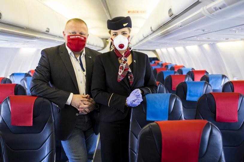 Rząd wycofał się z błędnego przepisu o podróżach Polaków /Szymon Starnawski /Getty Images