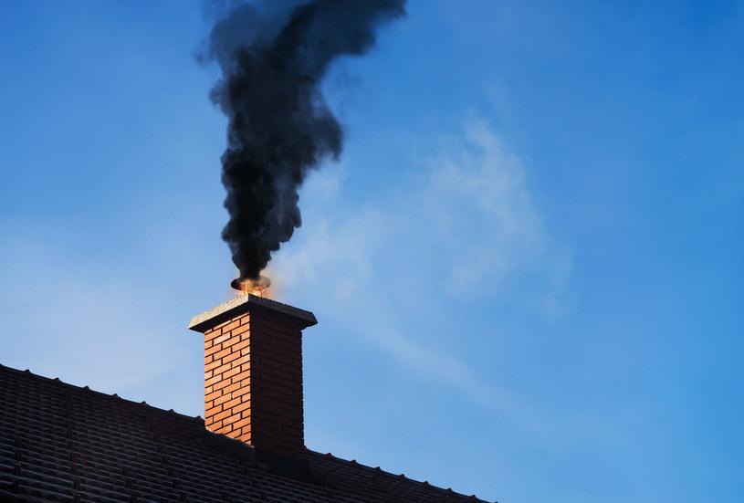 Rząd wycofuje powoli wsparcie dla pieców węglowych /123RF/PICSEL
