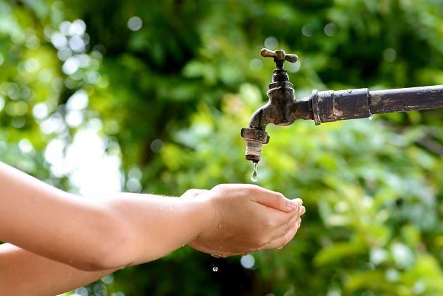 Rząd zawłaszcza opłaty za wodę. Samorządy stracą miliony złotych /©123RF/PICSEL
