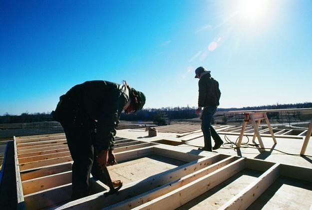 Rzadko pojawiają się propozycje pracy dla budowlańców, którzy nie znają języka obcego /© Panthermedia