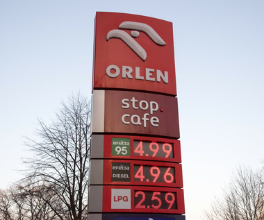 Rządowa matematyka: Niższe podatki nie oznaczają niższych cen paliw