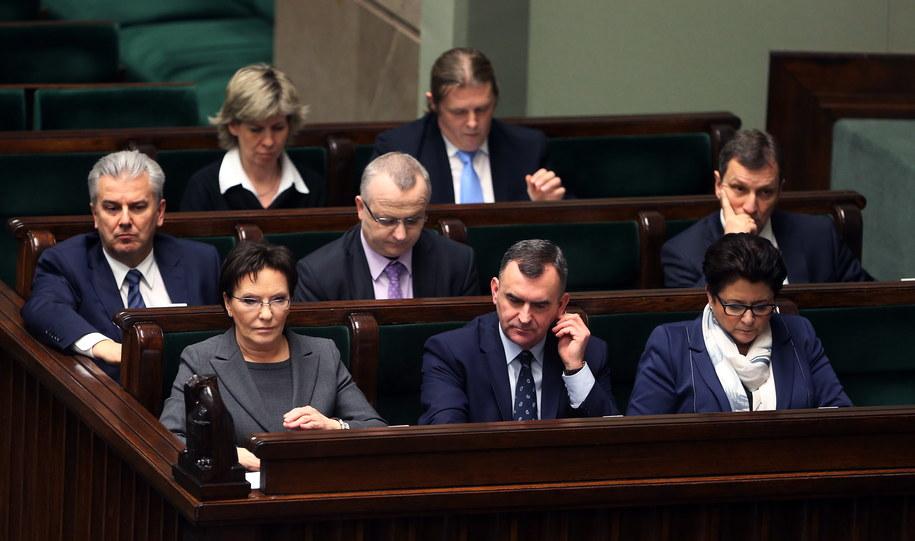 Rządowe ławy podczas posiedzenia Sejmu /Tomasz Gzell /PAP