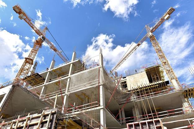Rządowe programy napędziły sprzedaż mieszkań od deweloperów /©123RF/PICSEL