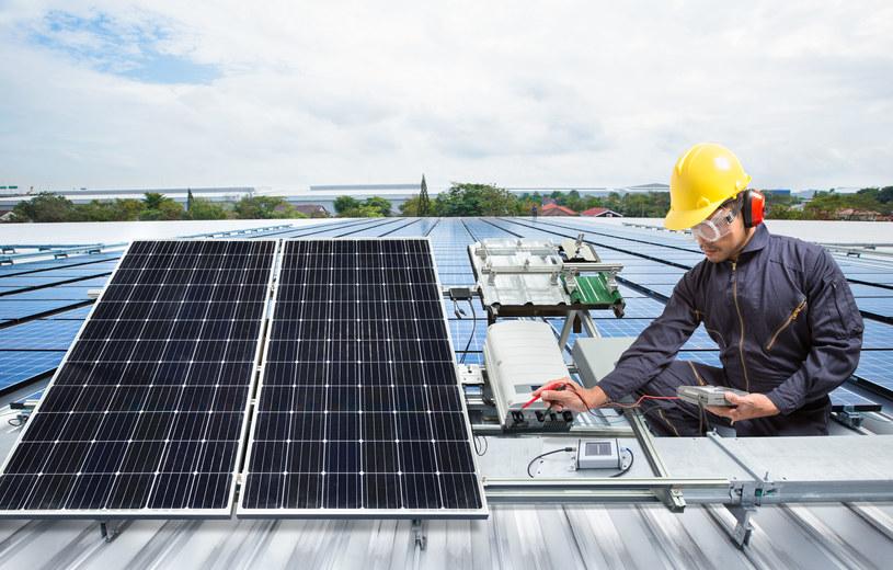 Rządowy program rozwoju paneli fotowoltaicznych okazał się wielkim sukcesem /123RF/PICSEL