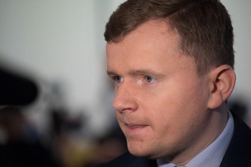 Rzecznik komisji weryfikacyjnej Oliwer Kubicki /Paweł Wisniewski /East News