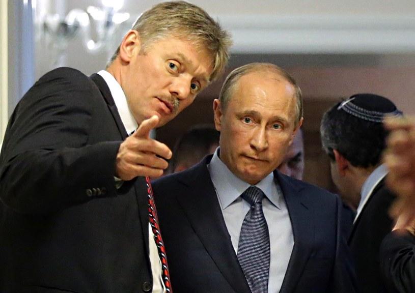Rzecznik Kremla Dmitrij Pieskow i prezydent Władimir Putin /AFP