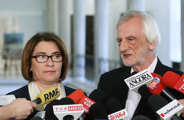 Rzecznik PiS Beata Mazurek (L) i wicemarszałek Sejmu Ryszard Terlecki (P). Fot. Paweł Supernak /PAP