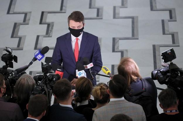 Rzecznik prasowy rządu Piotr Mueller w Sejmie w Warszawie /Paweł Supernak /PAP