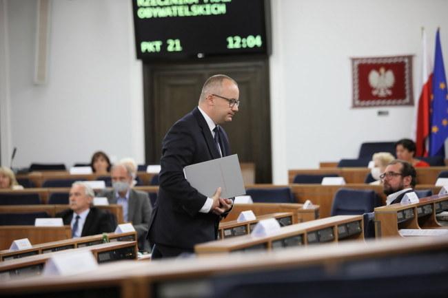 Rzecznik Praw Obywatelskich Adam Bodnar w Senacie / Leszek Szymański    /PAP