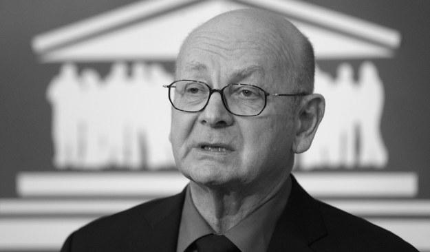 Rzecznik Praw Obywatelskich Janusz Kochanowski zginął w katastrofie smoleńskiej w kwietniu 2010 roku /Grzegorz Jakubowski /PAP