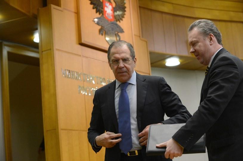 Rzecznik rosyjskiego MSZ Aleksandr Łukaszewicz i szef MSZ Rosji Siergiej Ławrow /AFP