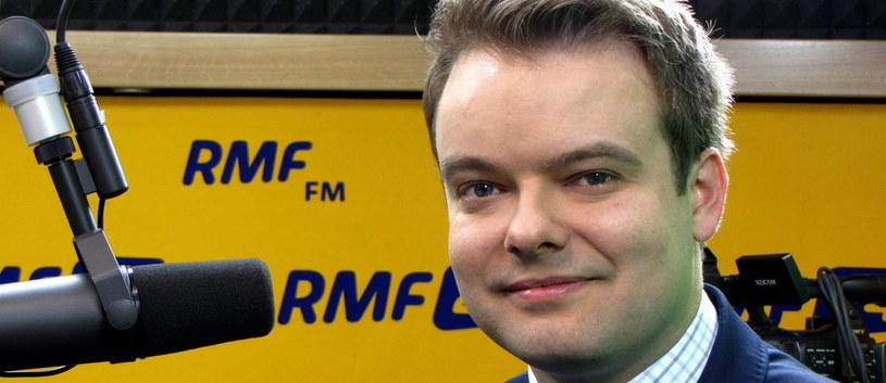 Rzecznik rządu Rafał Bochenek fot. Kamil Młodawski /RMF