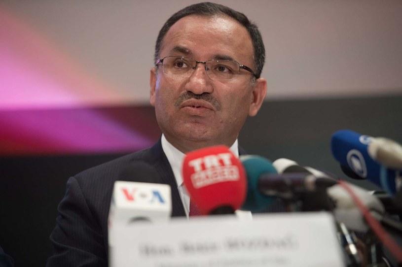 Rzecznik tureckiego rządu Bekir Bozdag /NICHOLAS KAMM /AFP