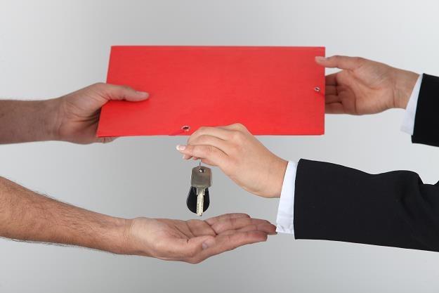 Rzeczoznawca wyceni nieruchomość? /©123RF/PICSEL