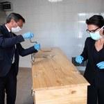 """""""Rzeczpospolita"""": Firmy pogrzebowe nie dorobią się na koronawirusie"""
