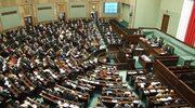 """""""Rzeczpospolita"""": Na wyścigi chrzczą sale w Sejmie"""