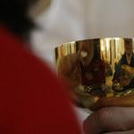"""""""Rzeczpospolita"""": Synod zajmie się rodziną. Komunia dla rozwodników?"""