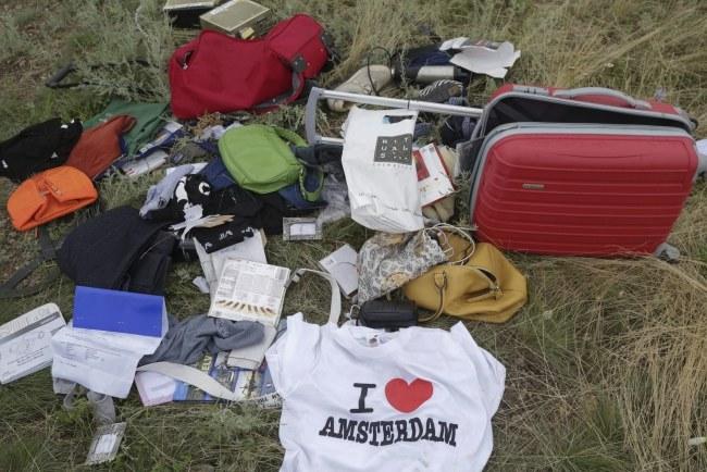 Rzeczy należące do ofiar katastrofy /ANASTASIA VLASOVA /PAP/EPA