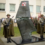 Rzeszów: Odsłonięto pomnik upamiętniający ofiary katastrofy smoleńskiej