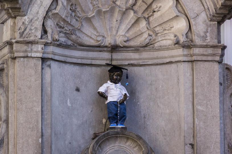 Rzeźbę siusiającego chłopca fotografują miliony turystów rocznie /123RF/PICSEL