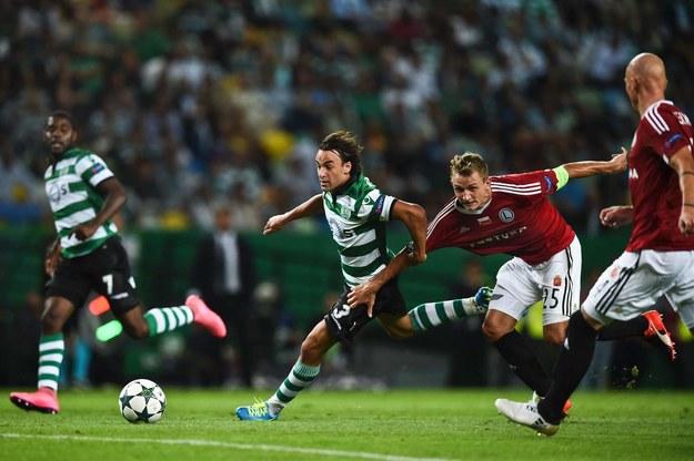 Rzeźniczak w barwach Legii podczas meczu Ligi Mistrzów ze Sportingiem Lizbona /AFP
